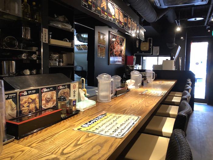 海老麺舎店内2