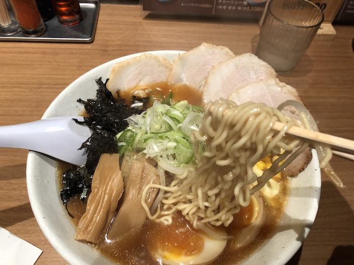 梅光軒の麺