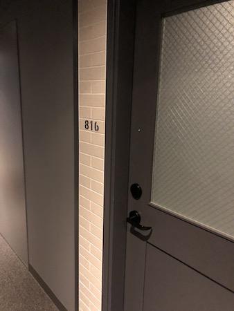 モクシー大阪ドア