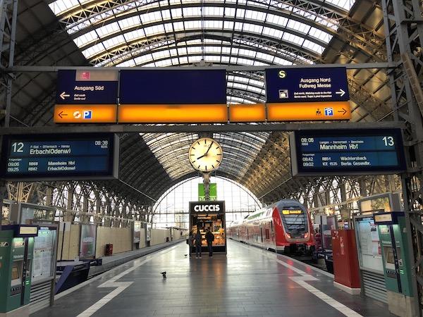 フランクフルト中央駅中