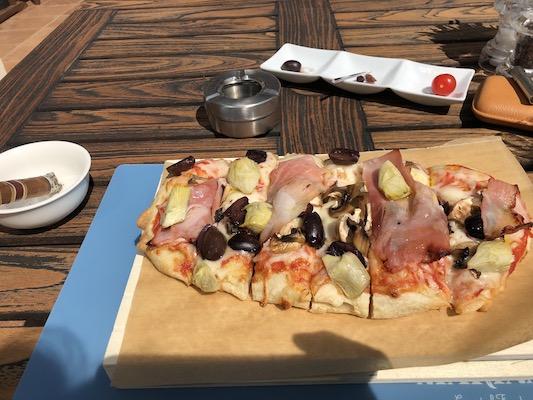 アーツのピザ